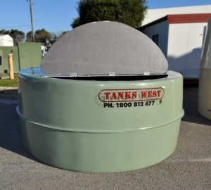 mixing-tank-with-hinged-lid
